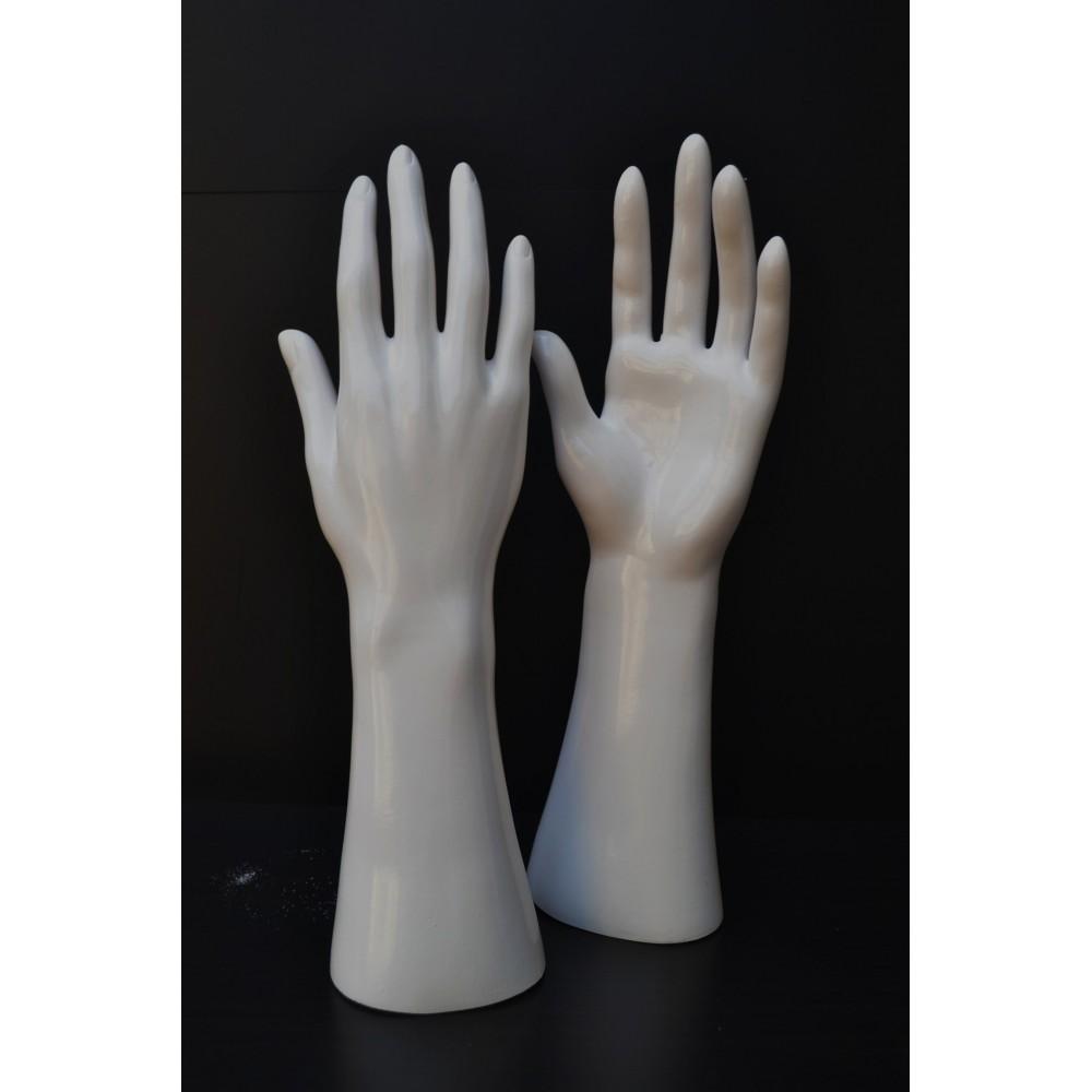 Mains mannequin femme gant bijoux